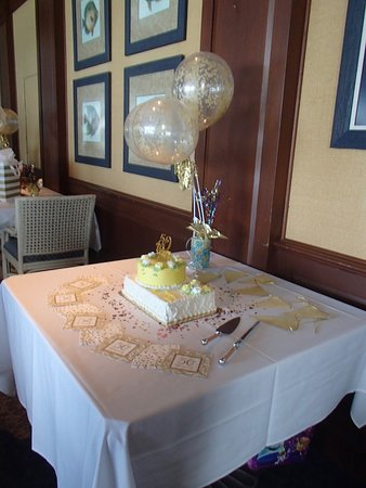Jensen Beach, FL: Cake table planned by your own Private Dining Coordinator!