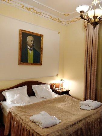 Hotel General: IMG_20180316_191638_large.jpg