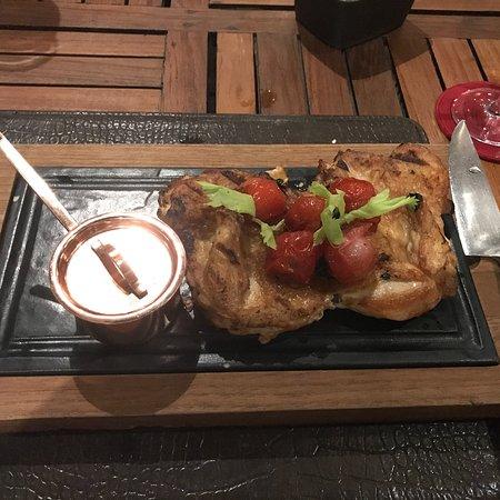 Недешёвый гриль-ресторан в JW Marriott