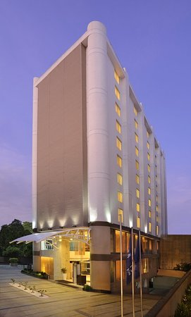 Four Points by Sheraton Ahmedabad: Exterior