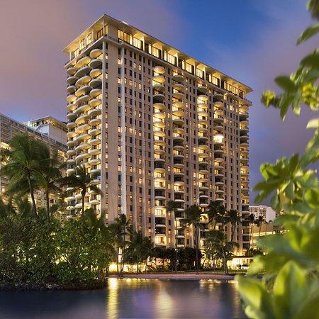 Hilton grand vacations at hilton hawaiian village - 3 bedroom suites in honolulu hawaii ...