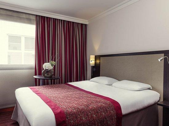 Montigny-le-Bretonneux, France : Guest room