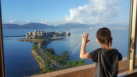 Hong Kong Gold Coast Hotel : Premier Seaview Room