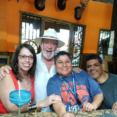 Nuevo Progreso, Mexico: Poncho's is great ! Friendly staff, great music, Poncho's is not to be missed !