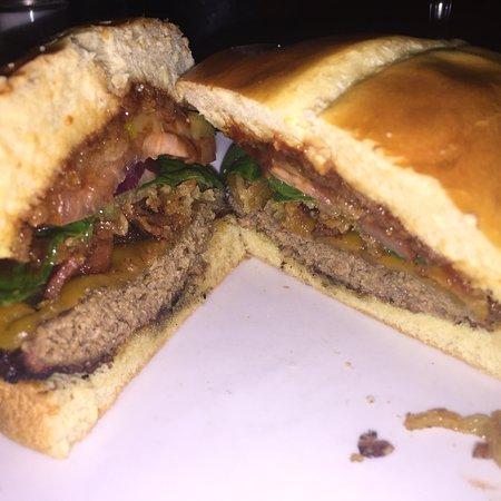 Bilde fra The Burger Saloon