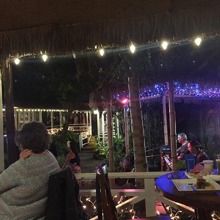 The Garden Island Grille: photo0.jpg