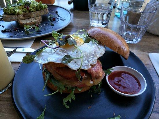 Mont Albert, Australia: Best Breaky Burger