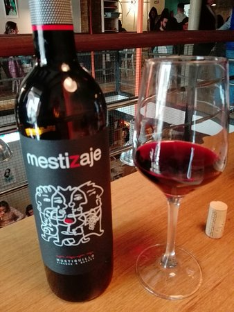 La Pappardella : Regado con un buen vino valenciano