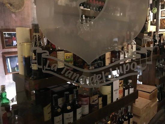 Pedara, Italia: Assortimento di grappe e rum