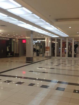 Bedford Gardens Mall 1