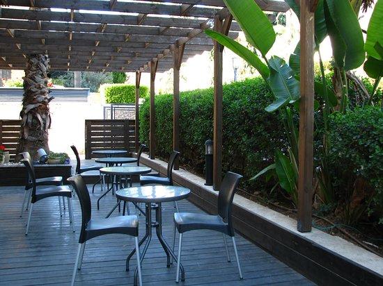 Little House In Rechavia: Terrace deck