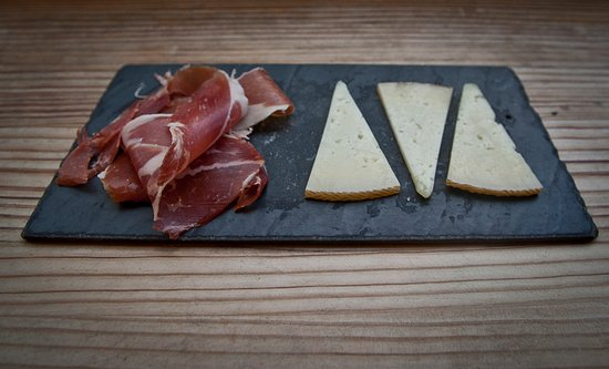Solera D Tapas: Iberian ham and Manchego Cheese