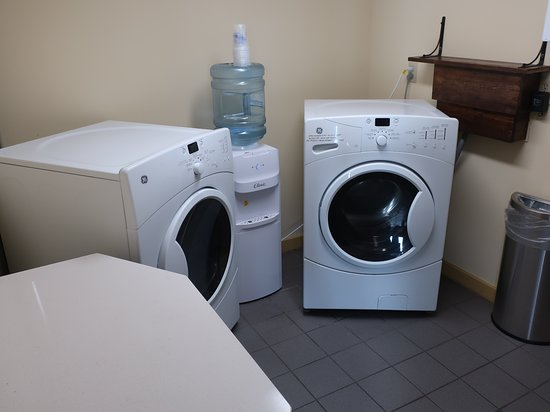 Best Western Dorchester Hotel: Loved the dedicated washer and dryer.