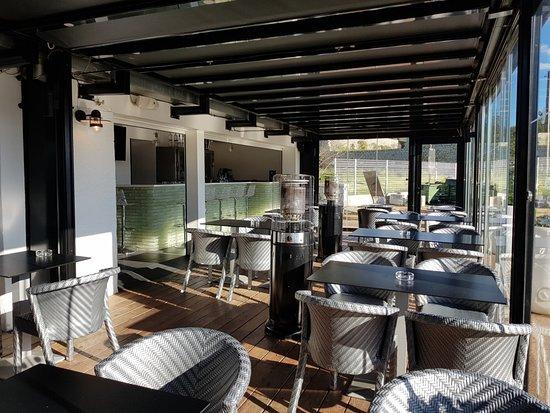 Terrasse extérieur coté lounge - Picture of Cafe La Marine ...