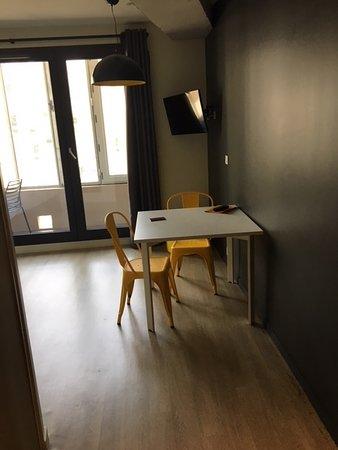 Badet - Picture of Staycity Aparthotels Rue Garibaldi, Lyon ...