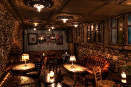 Κλουζ-Ναπόκα, Ρουμανία: The sought-after atmosphere is the friendly and comfortable pub, unsophisticated and unbeatable.