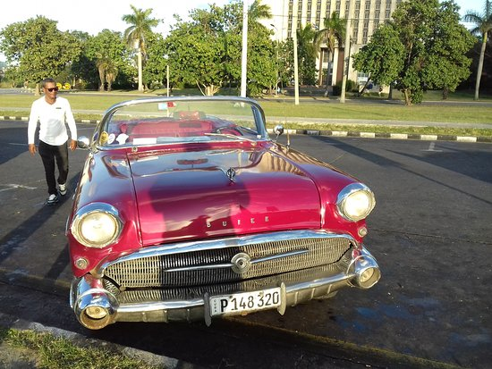the voiture picture of cuba classic tours havana tripadvisor. Black Bedroom Furniture Sets. Home Design Ideas