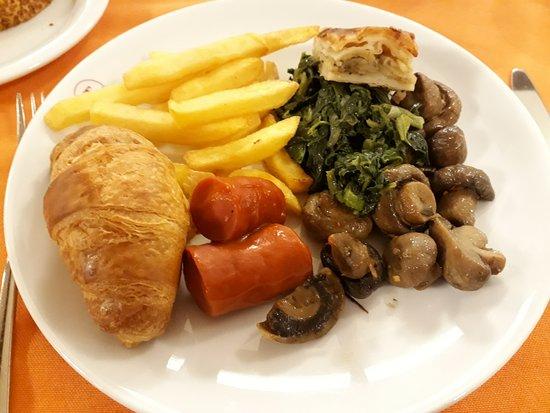 Abant Palace Hotel: My breakfast choice.