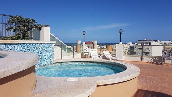 La piscina piu piccola picture of sunflower hotel qawra - Piccola piscina ...