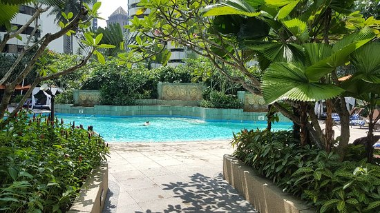 Shangri-La Hotel Kuala Lumpur: Swimming pool