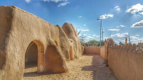 Awjilah, Libya: 20171224_125606-01_large.jpg