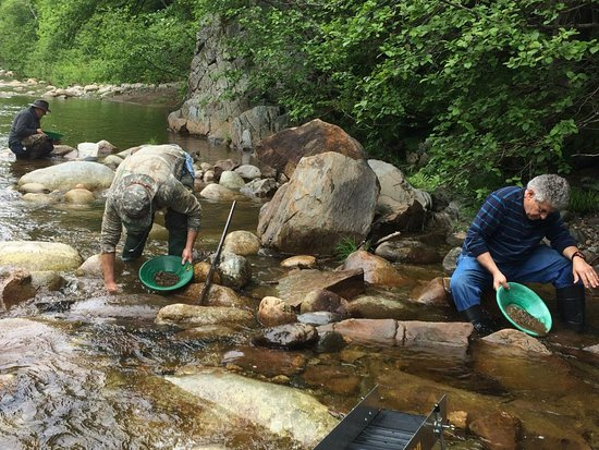 Amesbury, MA: Panning for gold in Maine