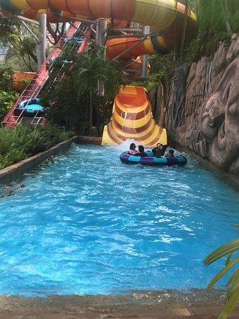 Sunway Lagoon: Thrilling ride