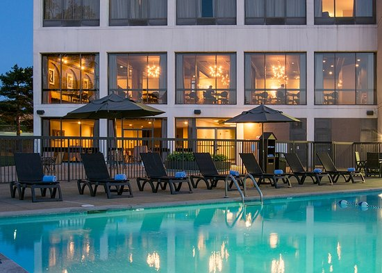 Hotel preston updated 2018 reviews price comparison - Preston hotels with swimming pool ...