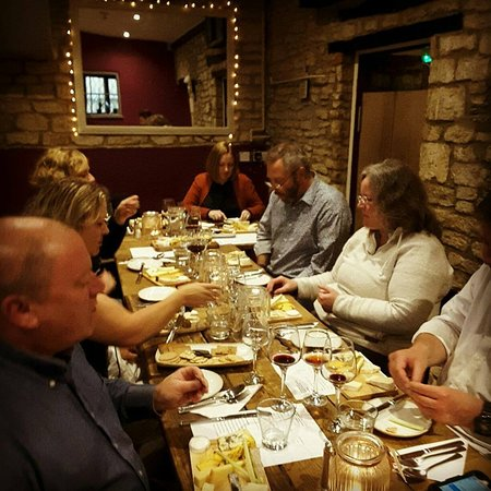 Oaksey, UK: Wine Port & Cheese Evening!