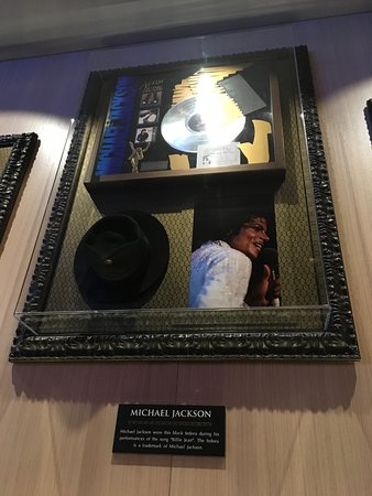 Hard Rock Cafe: The Michael Jackson table!