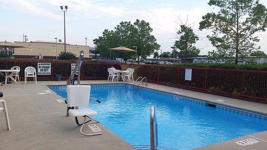 Mauldin, Carolina del Sur: Seasonal outdoor pool