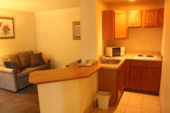 Caravan Inn Glenwood Springs: One Bedroom Kitchenette Suite