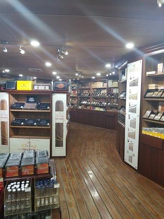 Don Lucas Cigars: Humidor at Don Lucas