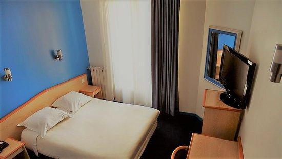 hotel briand levallois perret tripadvisor. Black Bedroom Furniture Sets. Home Design Ideas