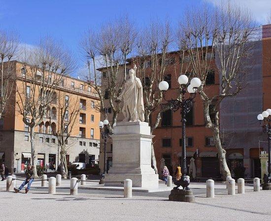 Monumento a Maria Luisa di Borbone-Spagna