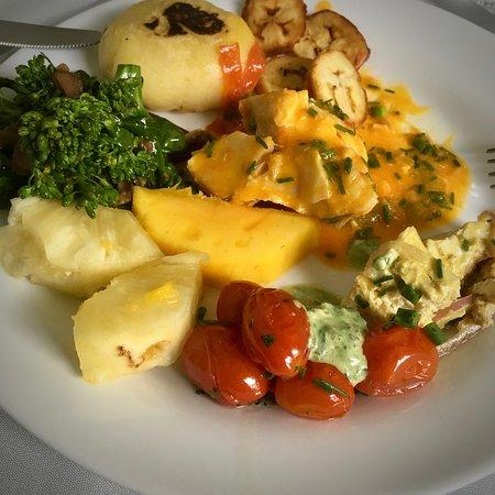 Mamãe Natureza Restaurante: Comida multicolorida e saudável.