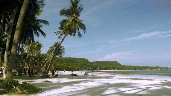 Rantepao, Indonesia: Playa de arena blanca de Bira