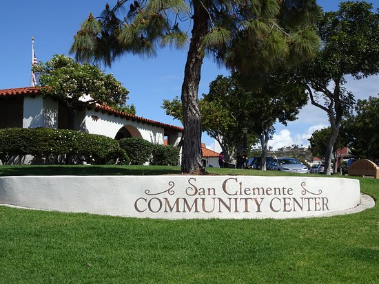 San Clemente, CA: Spanish architecture in a grassy setting