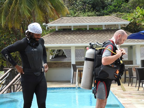 Speyside, Tobago: husband learning to dive