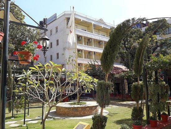 Kathmandu Guest House: Vue du jardin