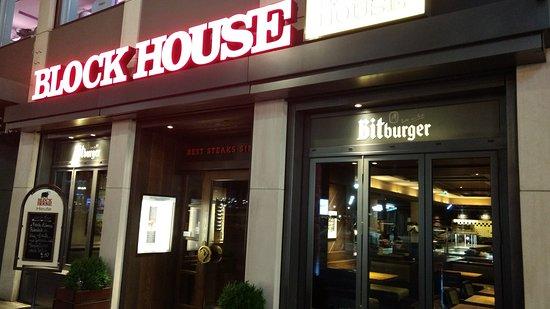 block house friedrichstrasse berlin mitte restaurant. Black Bedroom Furniture Sets. Home Design Ideas