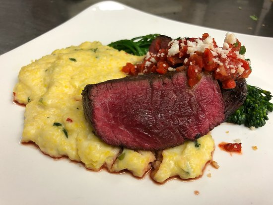 Lecanto, Флорида:  Filet Special with goat cheese polenta
