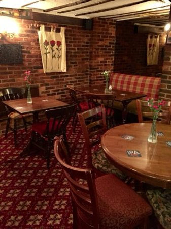 Great Shelford, UK: Inside The Square & Compasses