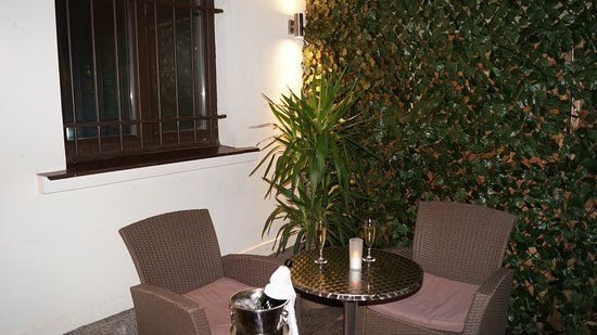 terrasse - Photo de Le Jardin d\'Erevan, Alfortville - TripAdvisor