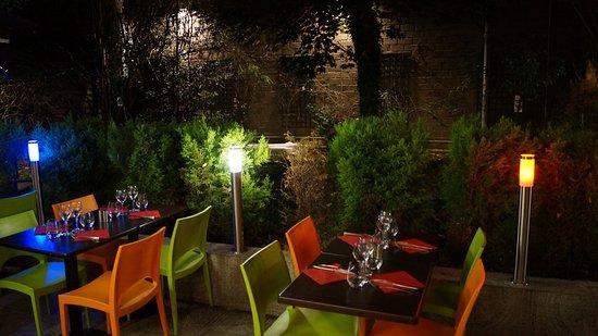 Jardin d\'Erevan (terrasse) - Picture of Le Jardin d\'Erevan ...