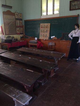 Templin, Australia: The school building