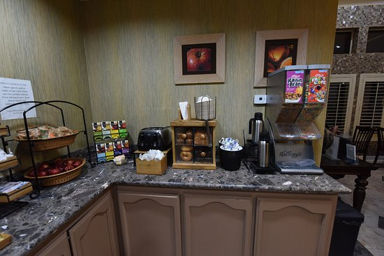 Brawley, CA: Free Breakfast for Hotel Guests in Lobby!