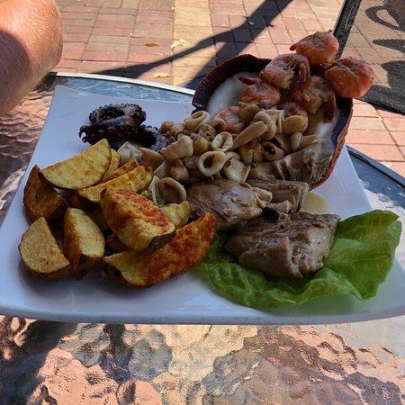 The Rock Galapagos - Seafood Grill & Bar: photo0.jpg