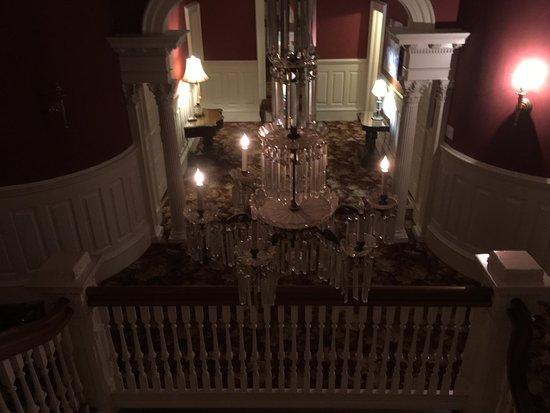 Graystone Inn: The hallway