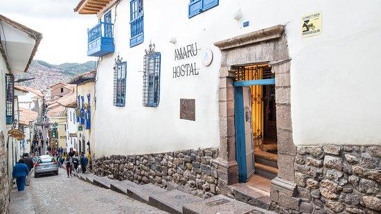 Amaru Hostal: Estupenda ubicación, a solo una cuadra de la Piedra de 12 ángulos y 2 de la Plaza de Armas